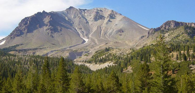 "Lassen Peak - the "" Devastated area"" , view from north."