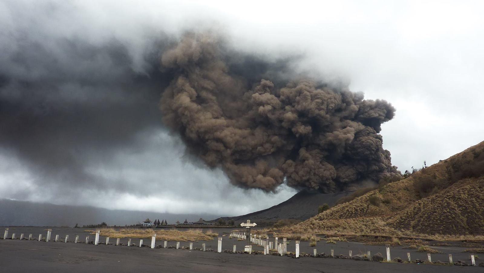 La dernière éruption du Bromo remonte à 2011-  photo 2011.12.25 Bromo - Subkhan Ramadani