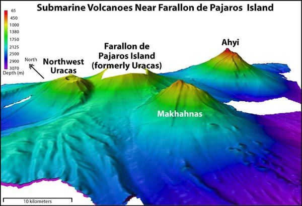 Volcans sous-marins proches de Farallon de Pajaros / Mariannes - Image courtesy of NOAA, 2003 (http://oceanexplorer.noaa.gov/explorations/03fire/logs/mar02/media/nikko.html).