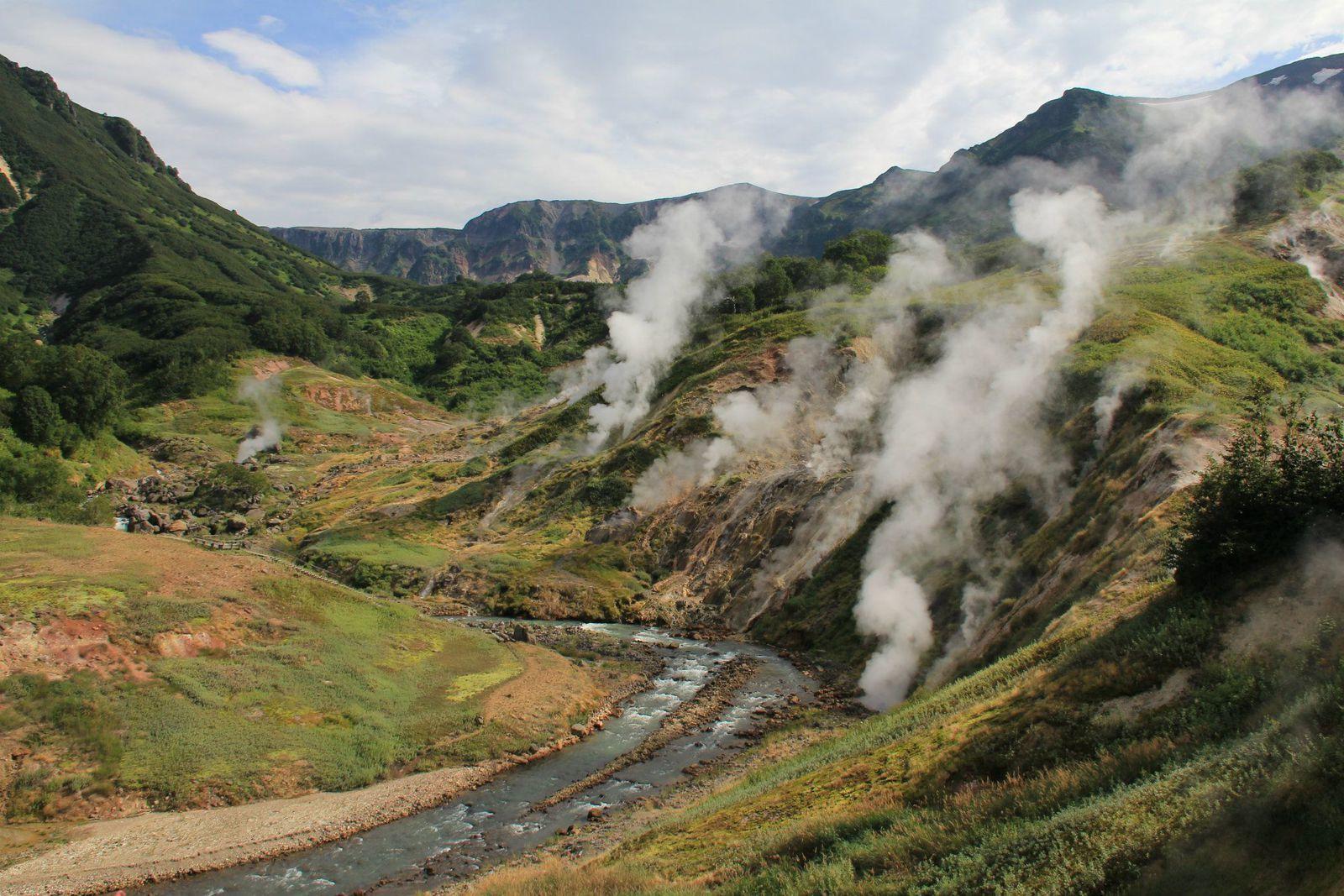 Caldeira d'Uzon - la Vallée des geysers - photo Antony Van Eeten 2011