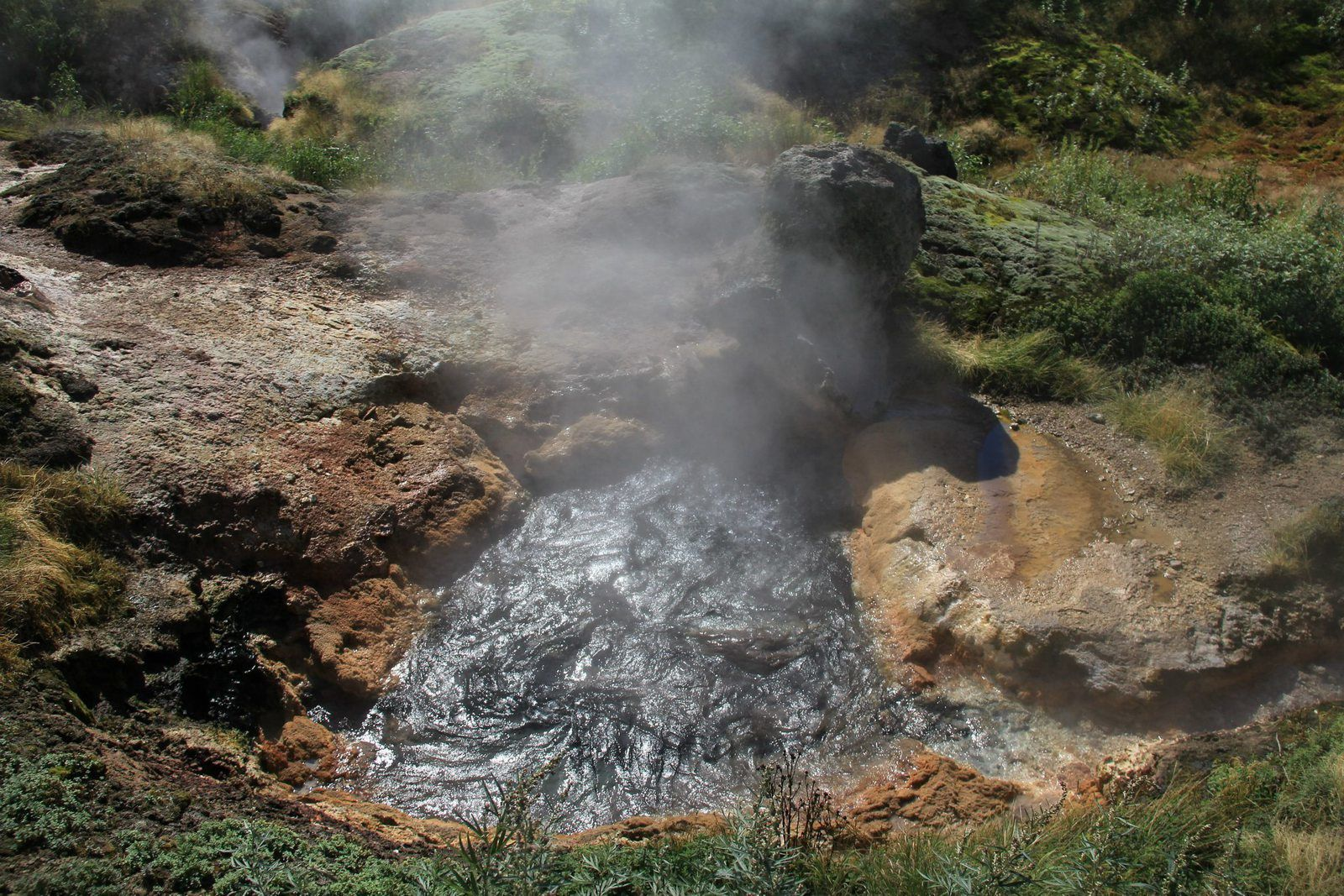 Uzon caldera - the Valley of Geysers - a hot spring - photo Antony Van Eeten 2011