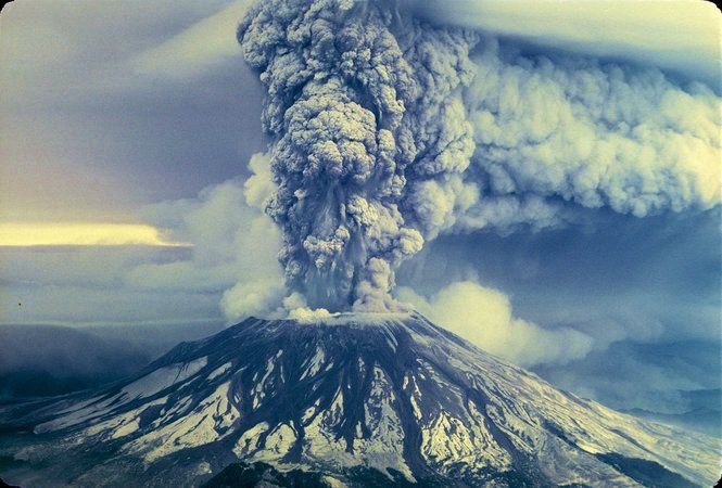 St Helens eruption in 1980 - photo RGBowen / The Oregonian