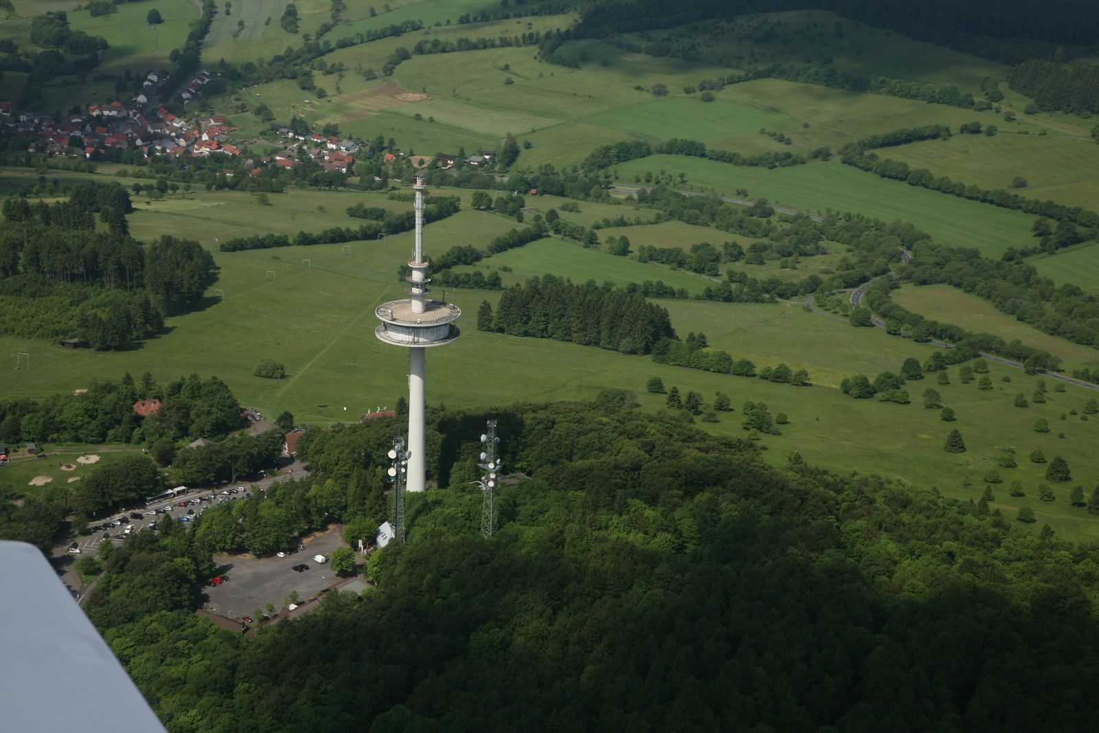 Vogelsberg - Hoherodskopf: telecommunications tower, 144 meters high - photo © Bernard Duyck 05.2014