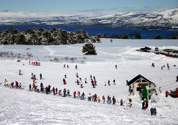 Winter on the slopes of Batea Mahuida - photo WelcomArgentina