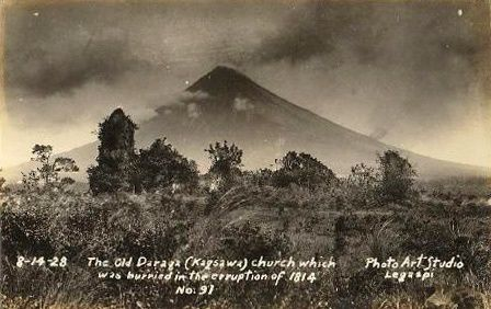 The ruins of the church of Cagsawa after the eruption of 1814 - photo 1928 / Art Studio Legazpi / via Fabulous Philippines.