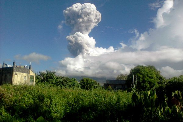 Mayon - eruption 05/07/2013 - Photo AFP / Phivolcs Dost