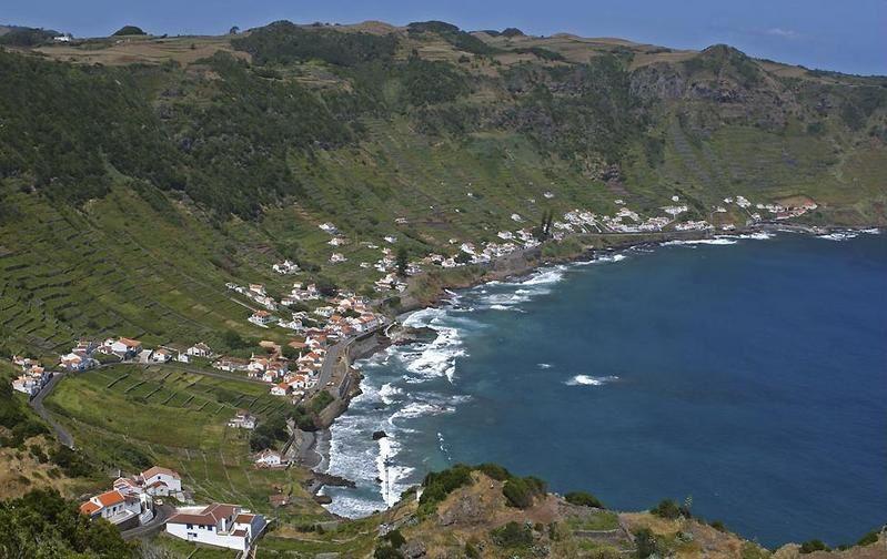Santa Maria / Açores  - Baía de São Lourenço  - photo Siaram.azores.gov