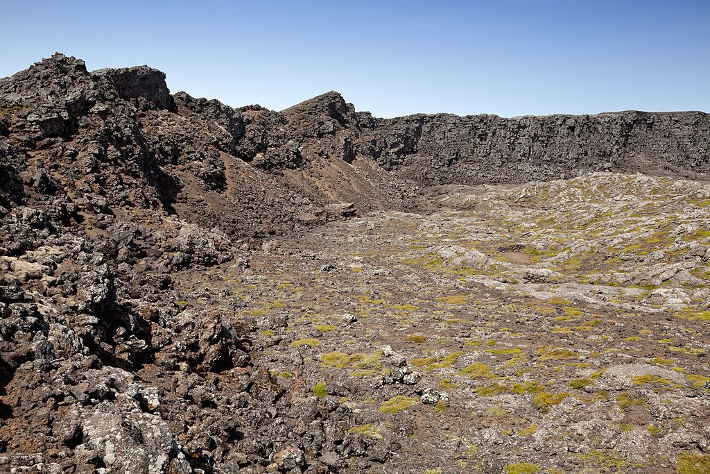 Pico / Azores - the Montanha do Pico - the summit crater - photo Unukorno
