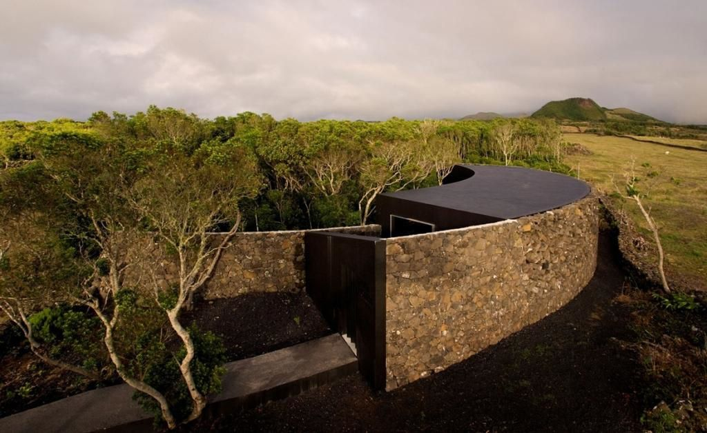 Gruta das Torres - the Visitor Center - photo by Ana Janeiro SAMI.arquitectos.