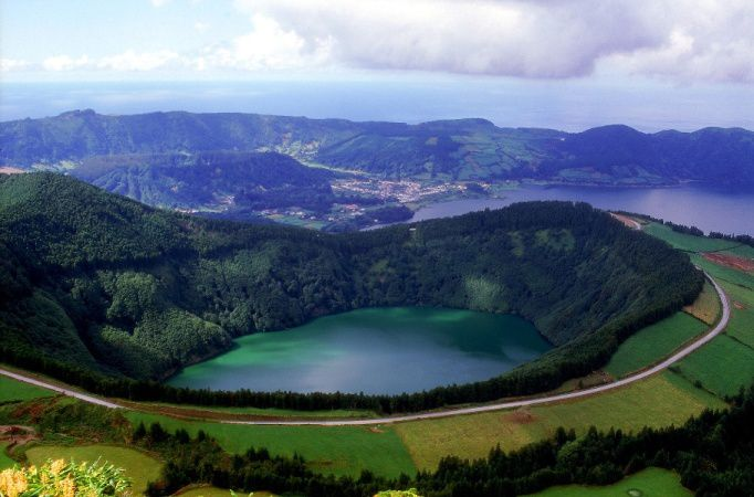 São Miguel / Azores - the caldera Sete Citades: the Lagoa Santiago - photo Time to go