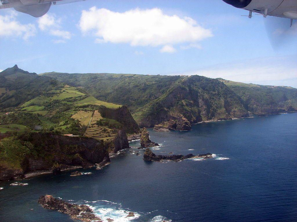 Flores / Açores  - Baia de Alagoa Cedros - photo Angrense