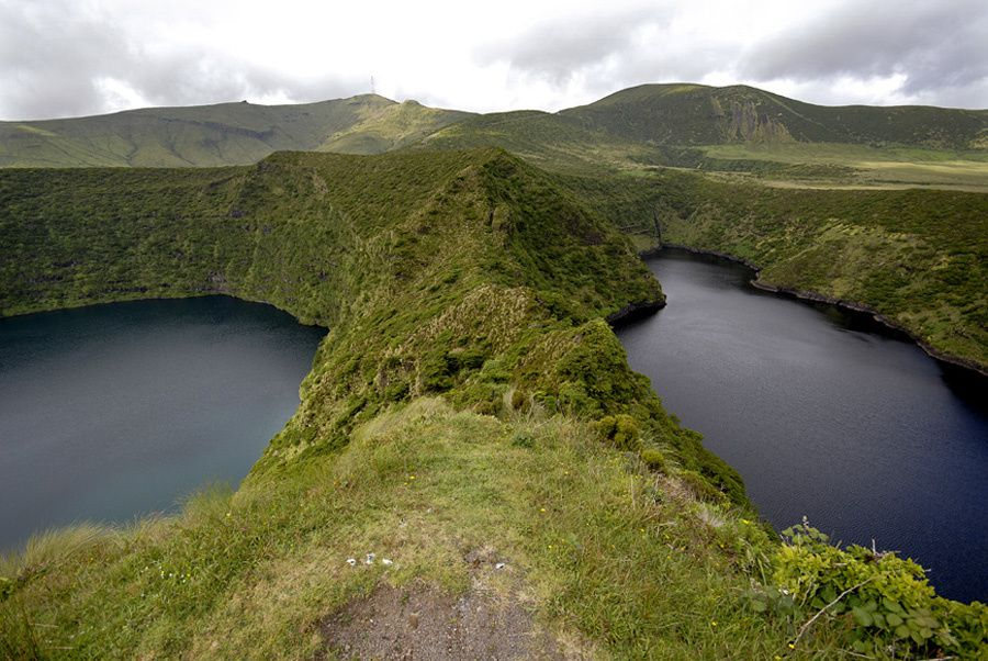 Flores / Azores - the calderas Negra and Comprida - photo Geoparque Azores