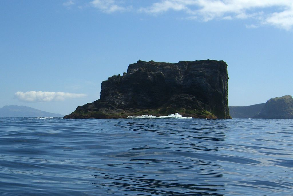Flores / Azores - the Ilheu do Monchique - photo Dreizung