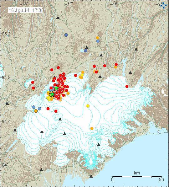 Vatnajökull - localisation des séismes le 16.08.2014 à 17h05 - les séismes deM>3 sont marqués par une étoile verte - carte IMO