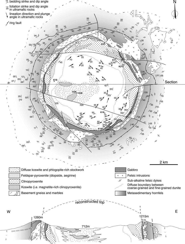 Carte géologique et coupe du massif de Kondyor – d'après Orlova (1992) ), Zemlyanukhin & Prikhodko (1997) et Burg & al (2008)