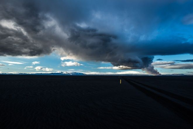 The plume and ashes of the eruption Holuhraun - photo Geir Ólafsson / Iceland Review
