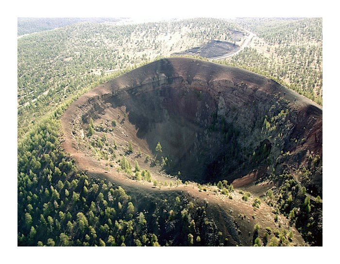 Crater of the cinder cone Bandera - Larry Crumpler Photo / New Mexico Museum of Natural History and Science