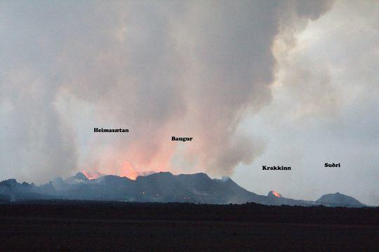 2014.09.18 - les cônes sur la fissure Holuhraun  -  photo Ármann Höskuldsson.