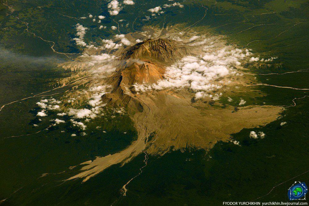 Vue aérienne claire du Shiveluch - photo Fyodor Yurchikhin