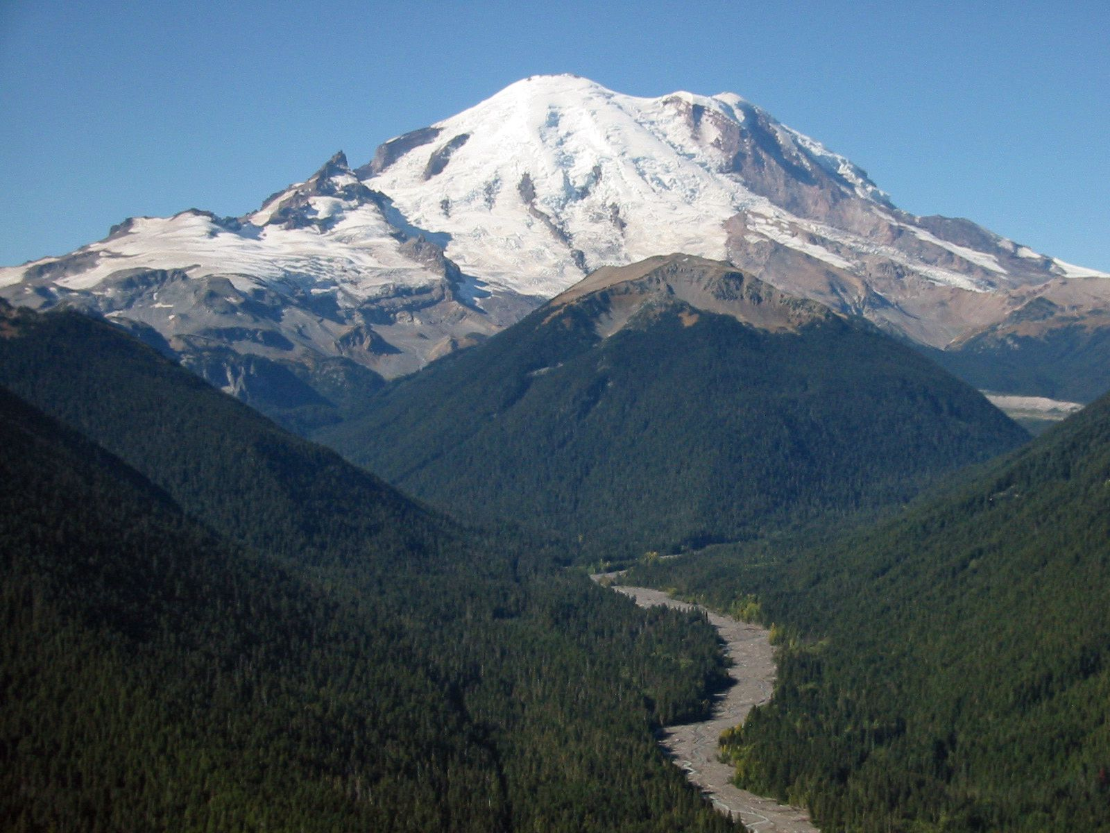 Mt. Rainier, the highest volcano in the Cascade Range - photo Walter Siegmund
