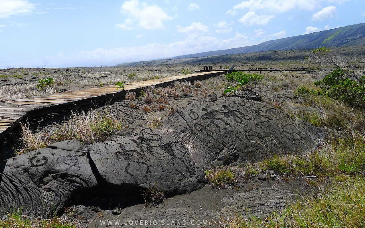 Pu'u Loa Petroglyphs - photo Love Big Island