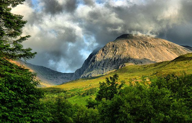 Ben Nevis and Mòr Dearg Càrn - photo Planetware