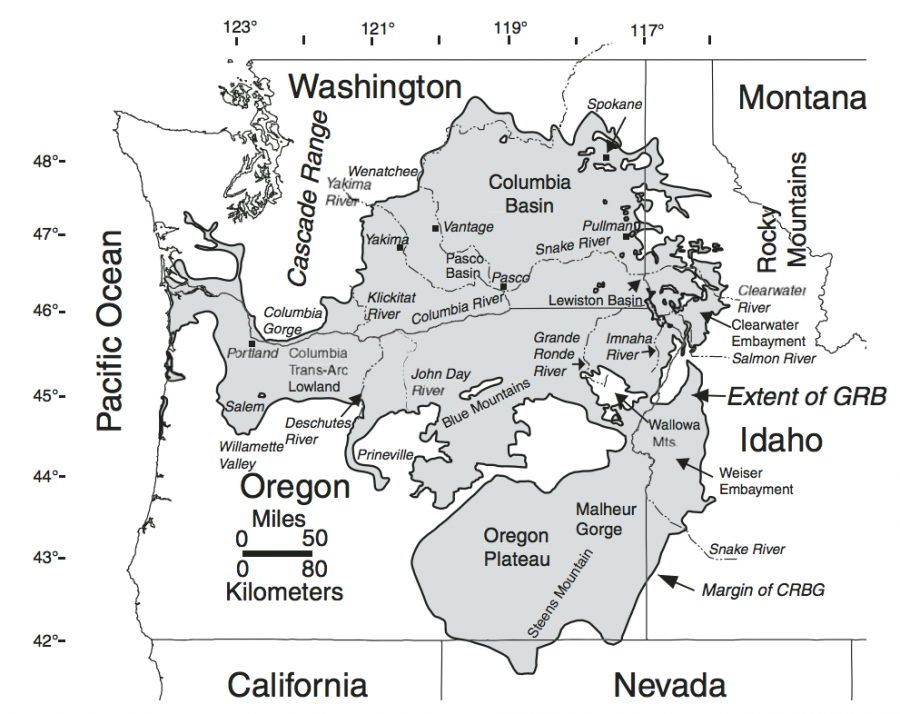 Location of the Columbia river gorge in relation to the Columbia River Basalt Group, in the western of the United States, intersecting the volcanic Cascade Range.