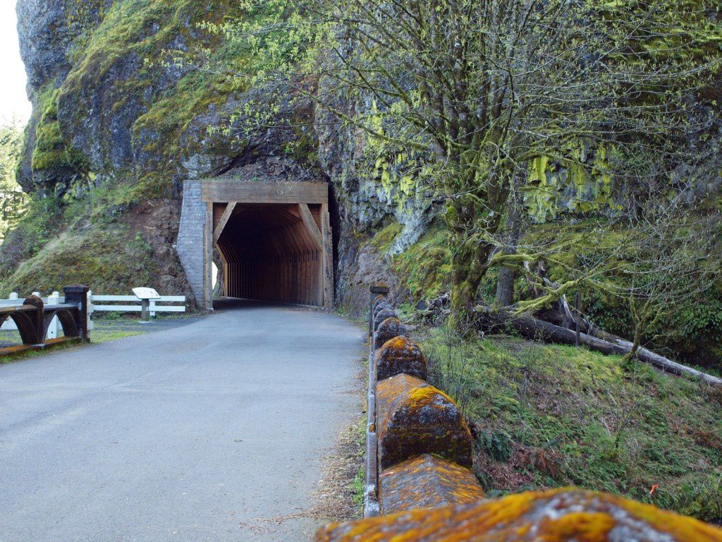 Columbia River gorge - Historic Columbia River Scenic Byway - Unblocked Tunnel in the basalt- photo Pacific northwest photoblog