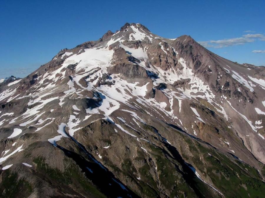 North of the Columbia River, other volcanoes ...