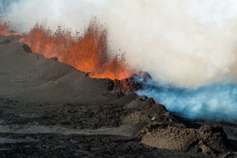The eruptive fissure at Holuhraun emits amount of SO2 gas - Einar Gudmann / Barcroft Media 11/08/2014