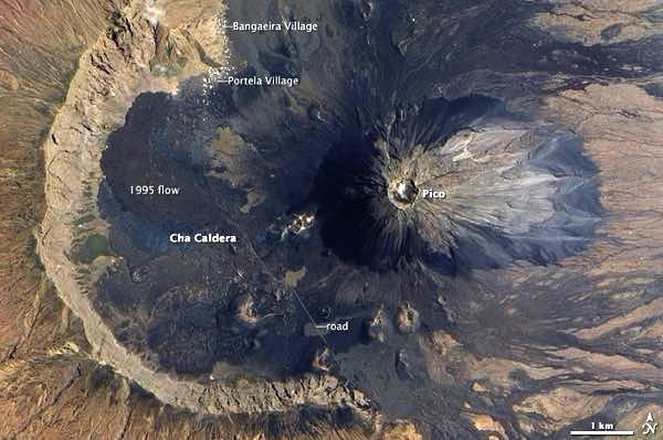 Fogo / Cha das Caldeiras - location of the swallowed villages north of the caldera - Image NASA / Twitter