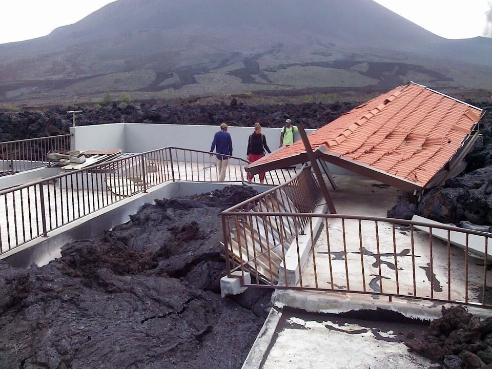 Extensive destruction in the villages of Cha das Caldeiras. - Photo Alcindo Montornd