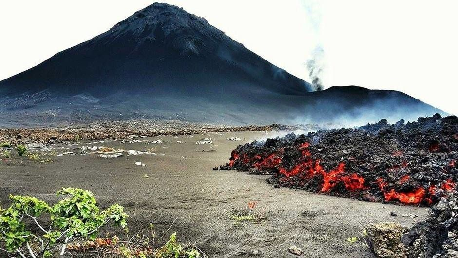 The lava stagnates after the eruption of Fogo - photo Avcan 13/12/2014