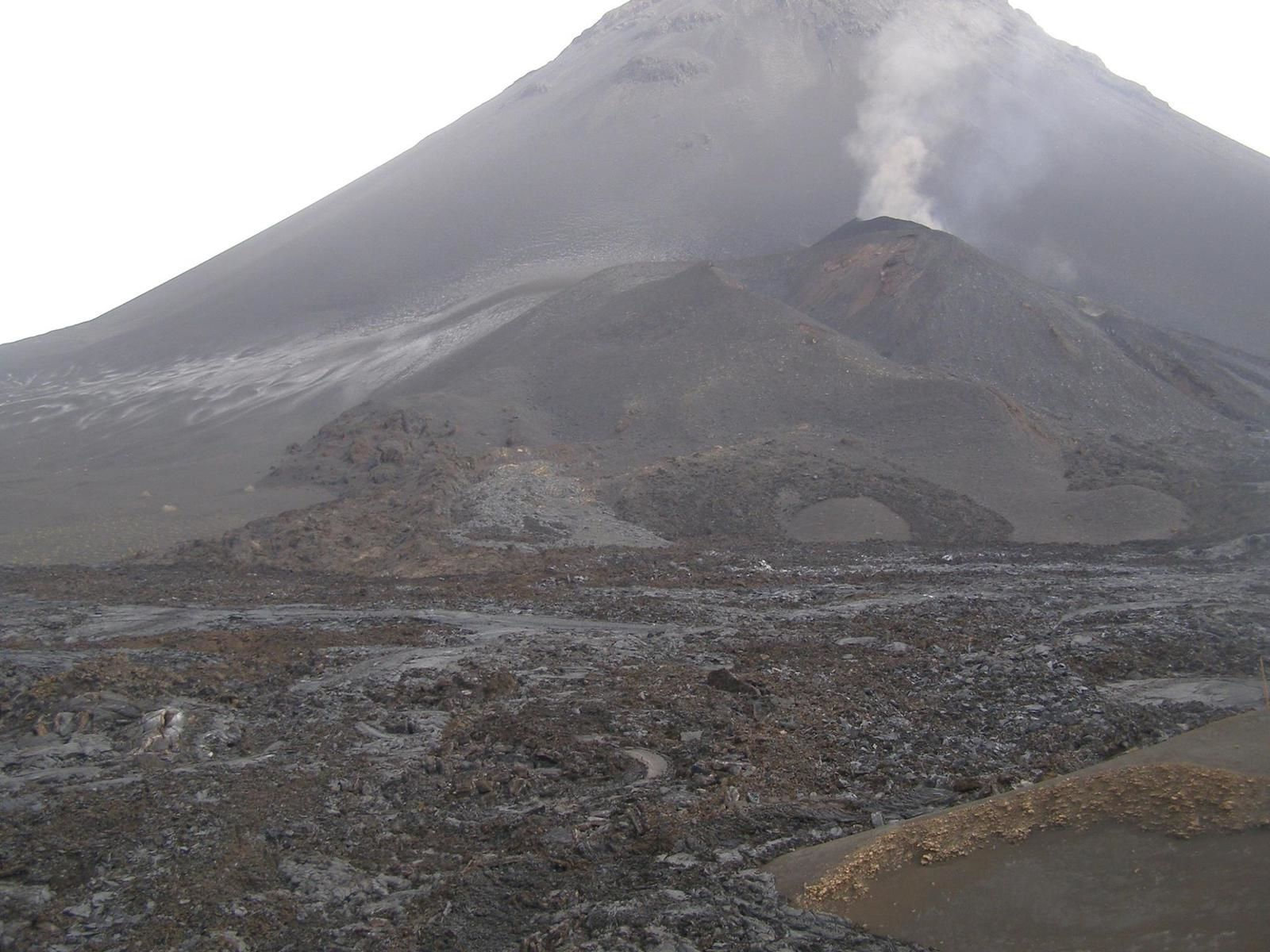 Fogo / Cape Verde - on 08.01.2015 - decline of the eruption - photo OVCV