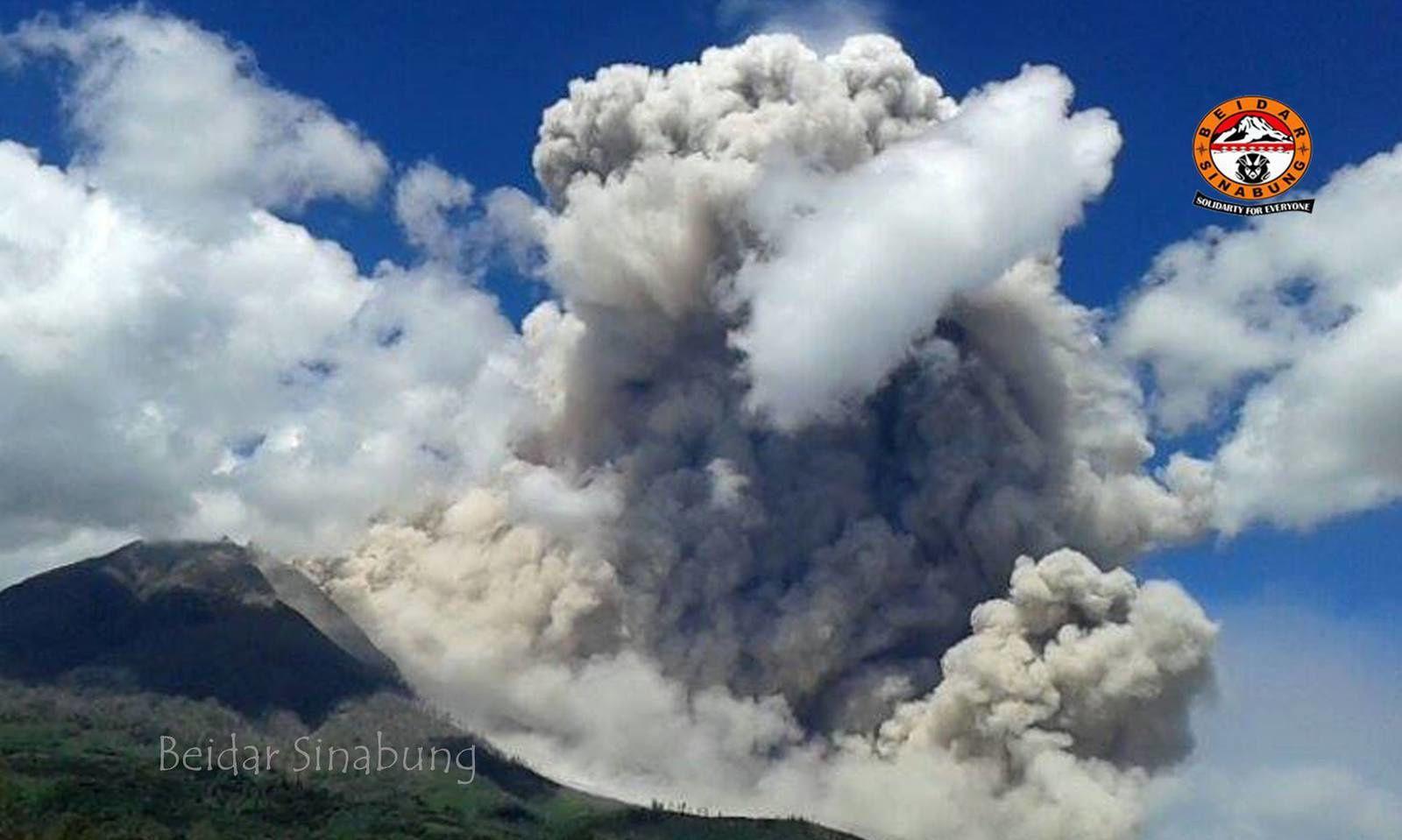 Sinabung - panache co-pyroclastique du 12.01.2015 / 14h05-14h45 - photo Bidar Sinabung