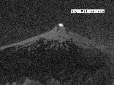 Villarica - Night glow on 05/02/2015 - doc.sernageomin.clvillarrica.php httpwww.povi.clindex.html
