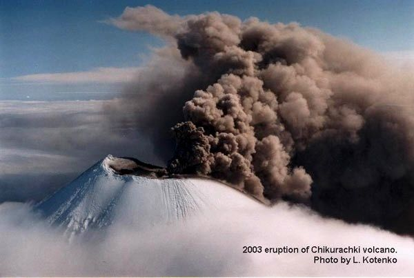 and 2008. Chikurachki erupting in 2003 - photo L.Kotenko / KVERT