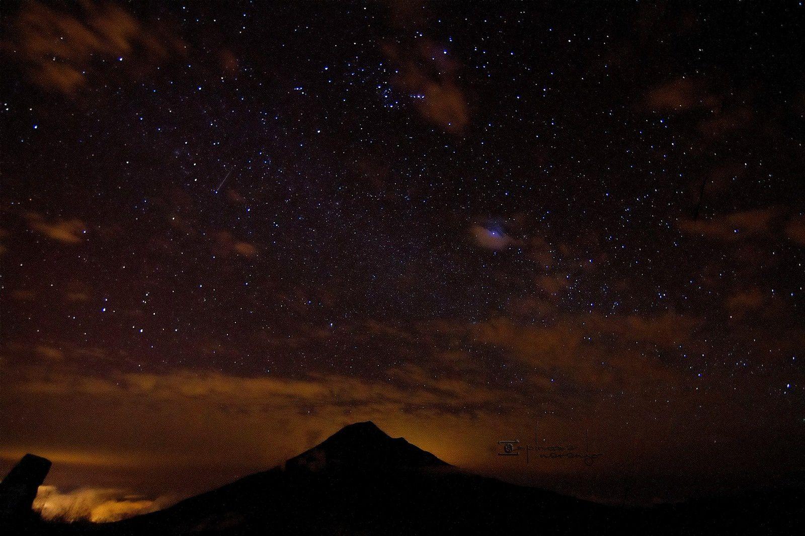 Une belle vue du Tungurahua sous les étoiles - photo José Luis Espinosa Naranjo