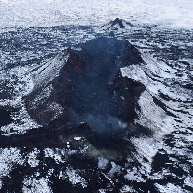 Holuhraun - l'incandescence a disparue au cratère Baugur - photo Volcano Air Iceland