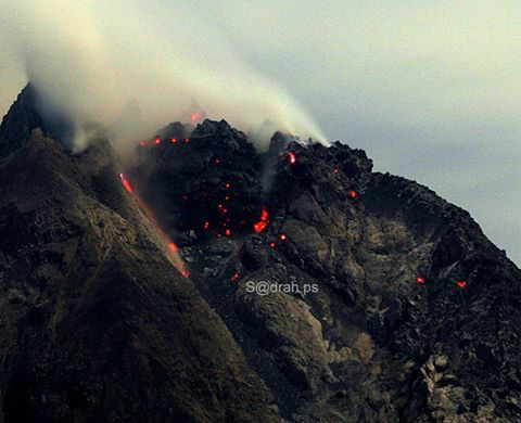 Sinabung - effondrement partiel du lobe de lave le 5 mars 2015 - photo Sadrah ps