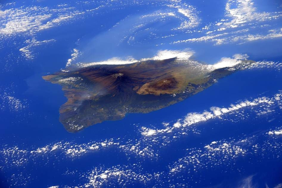Hawaii, Big island et ses volcans, le 18 février 2015 - From the International Space Station, European Space Agency by the astronaut Samantha Cristoforetti