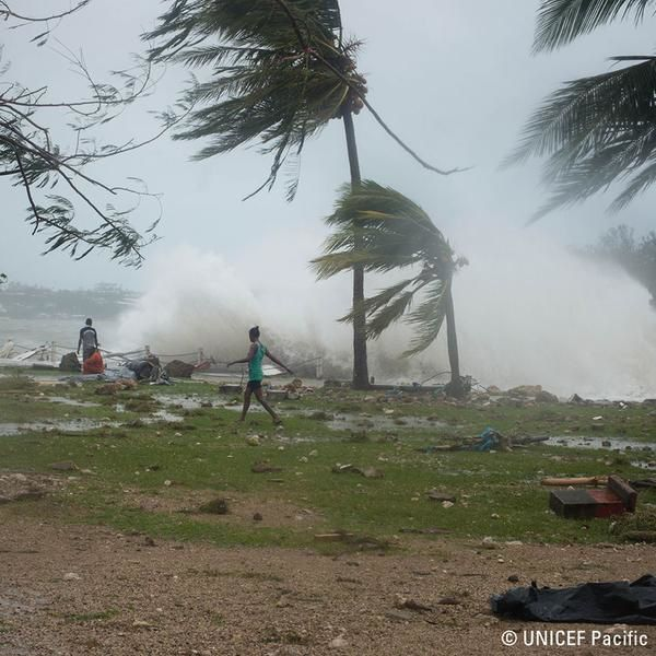 First evidence of destructions - photos UNICEF Pacific