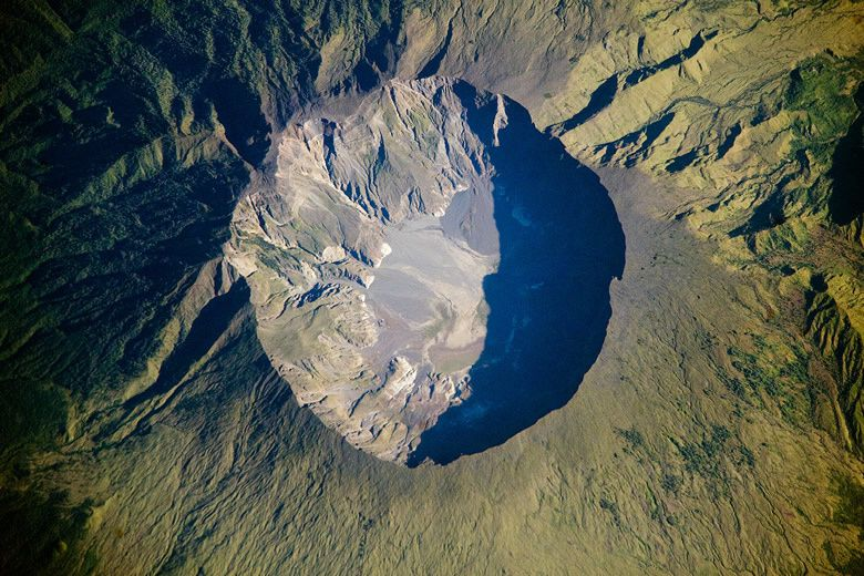 Tambora, the caldera - Doc. Nasa 03.06.2009
