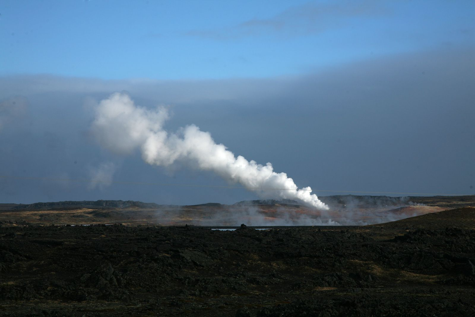 Gunnhuver / Grindavik : hot springs and fumaroles - photo © 2015 Bernard Duyck