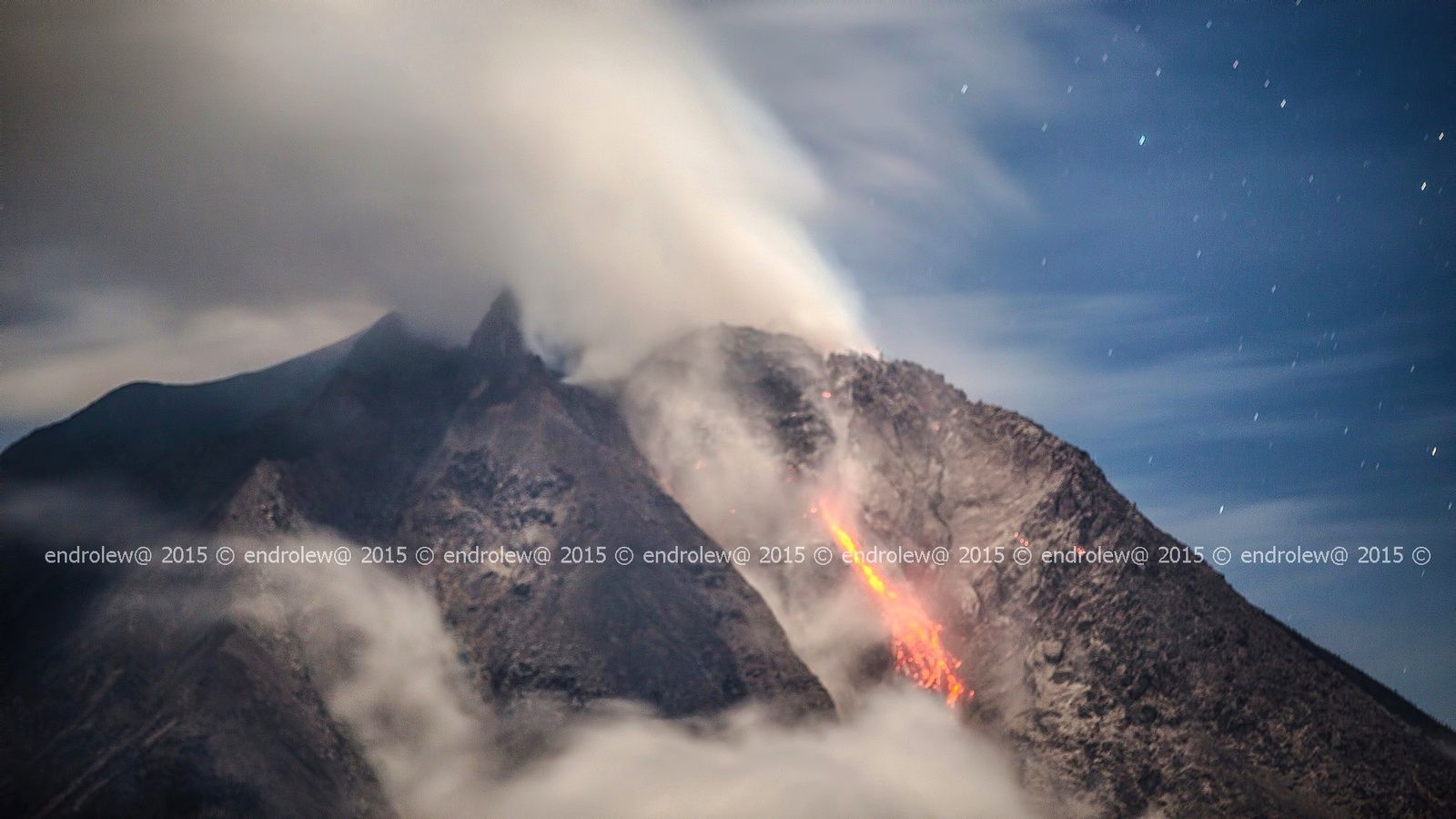 Sinabung - 01.04.2015 / 22h34 - lobe de lave - photo endrolew@