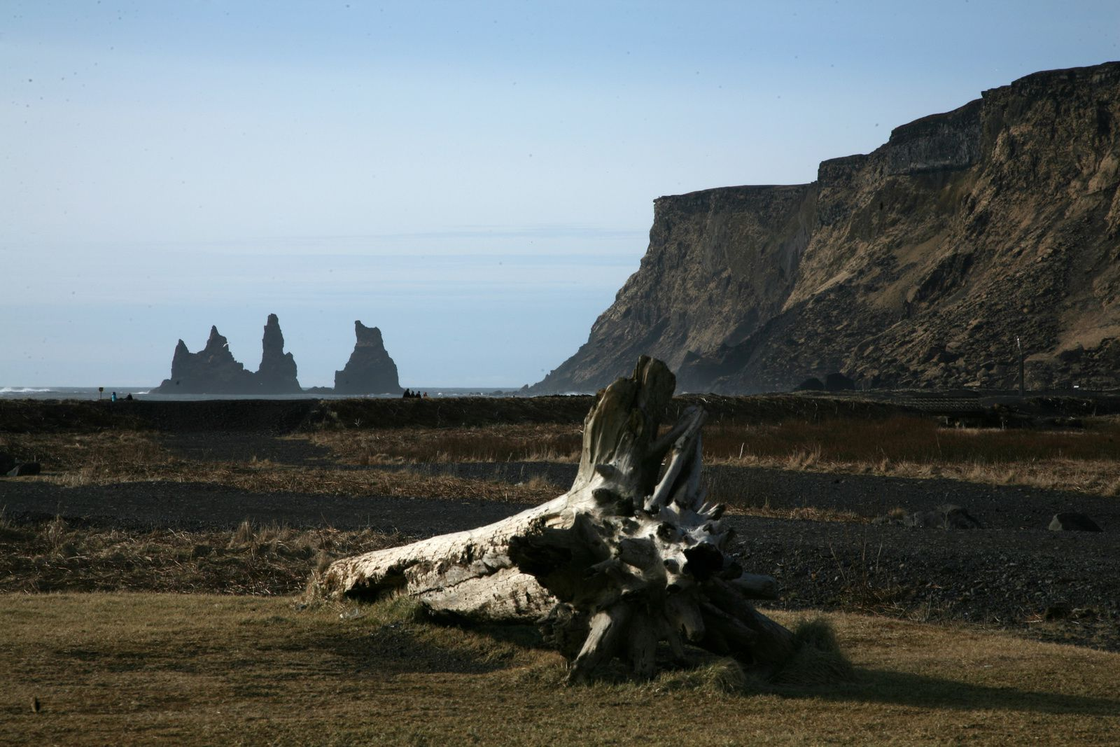 Reynisfjall and Reynisdrangar seen from Dyrhólaey - photo © 2015 Bernard Duyck