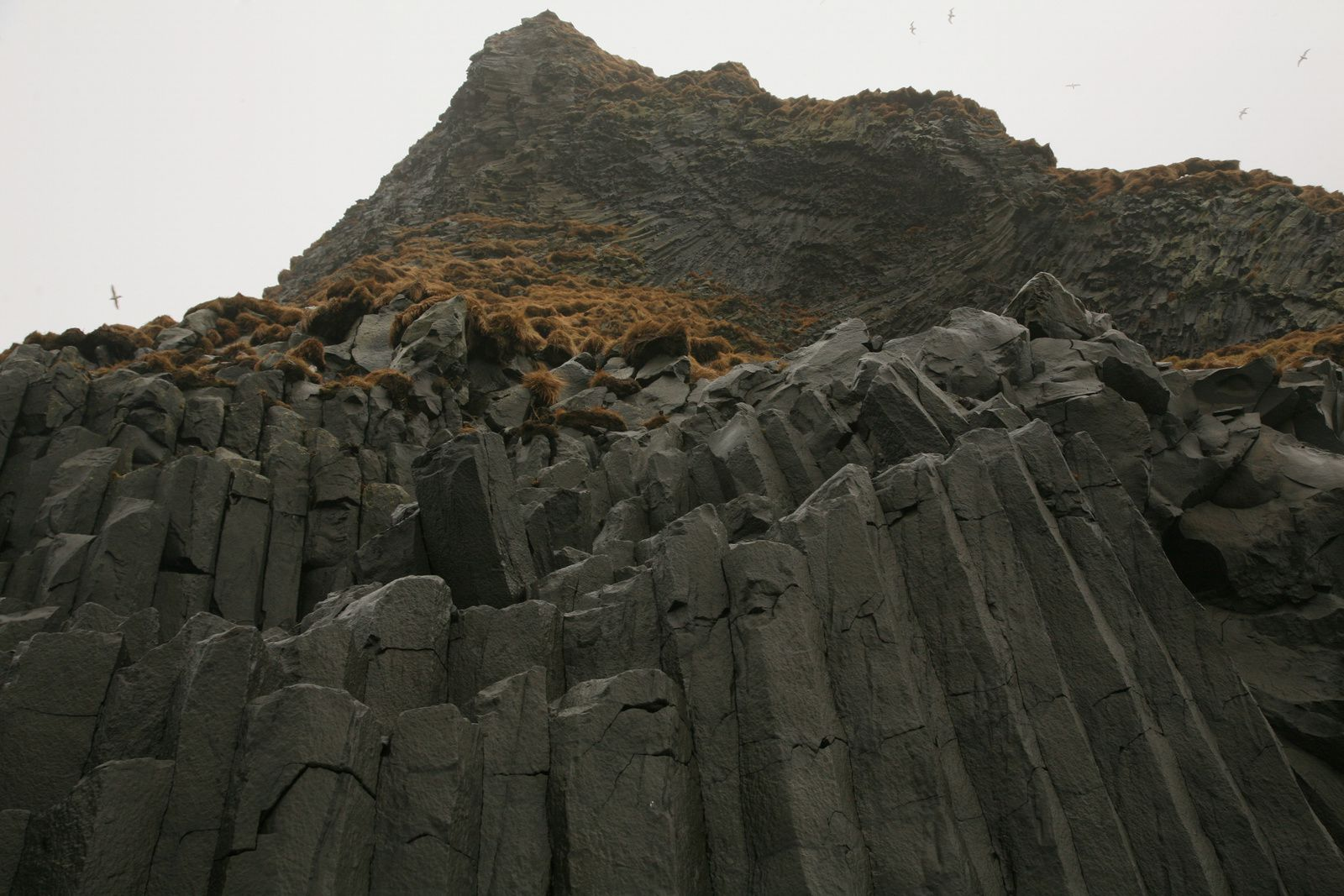 The organs of Reynisfjara - organs and entablature - photo © 2015 Bernard Duyck