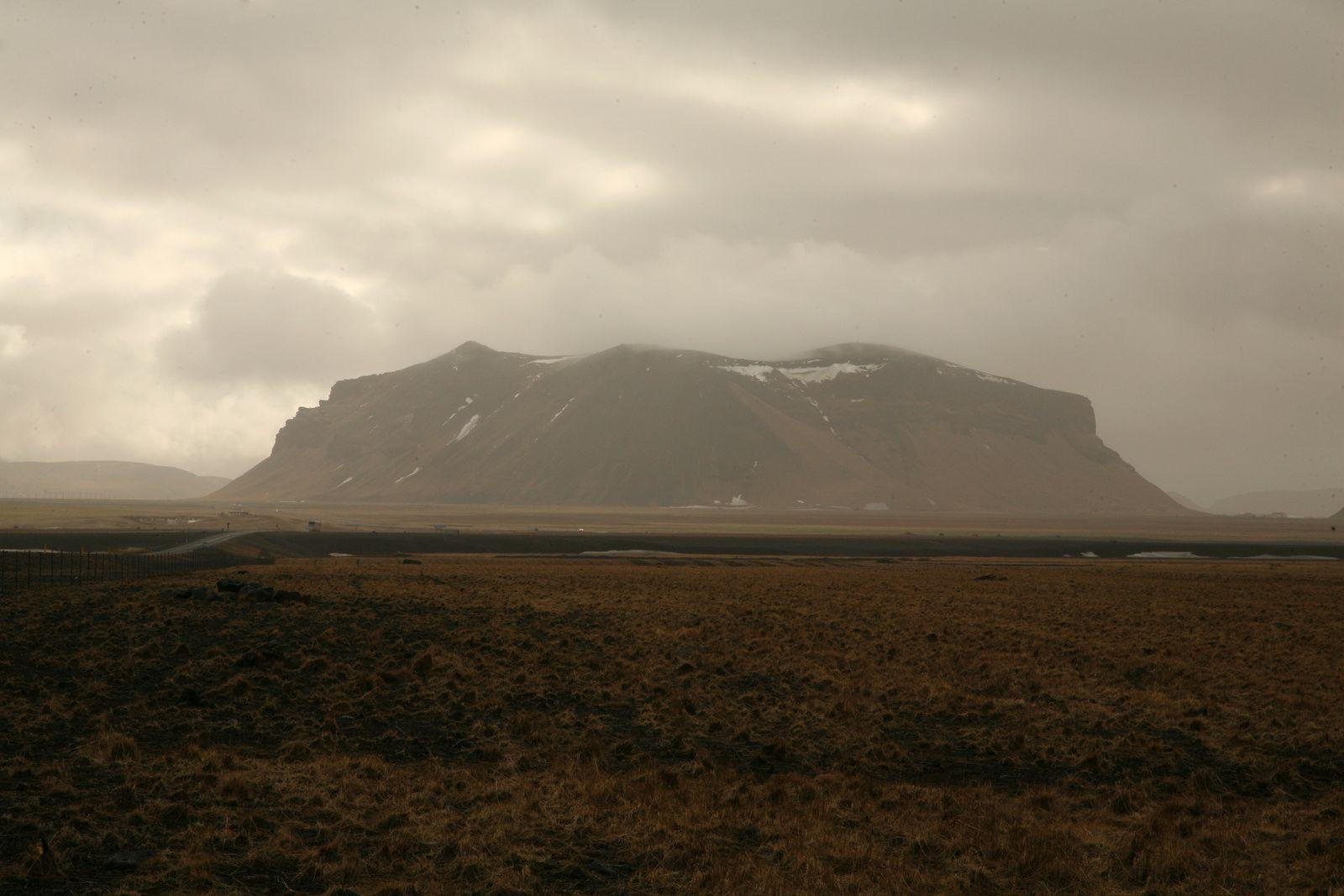 Péturseyjarvegur on the Sólheimasandur - photo © Bernard Duyck 2015