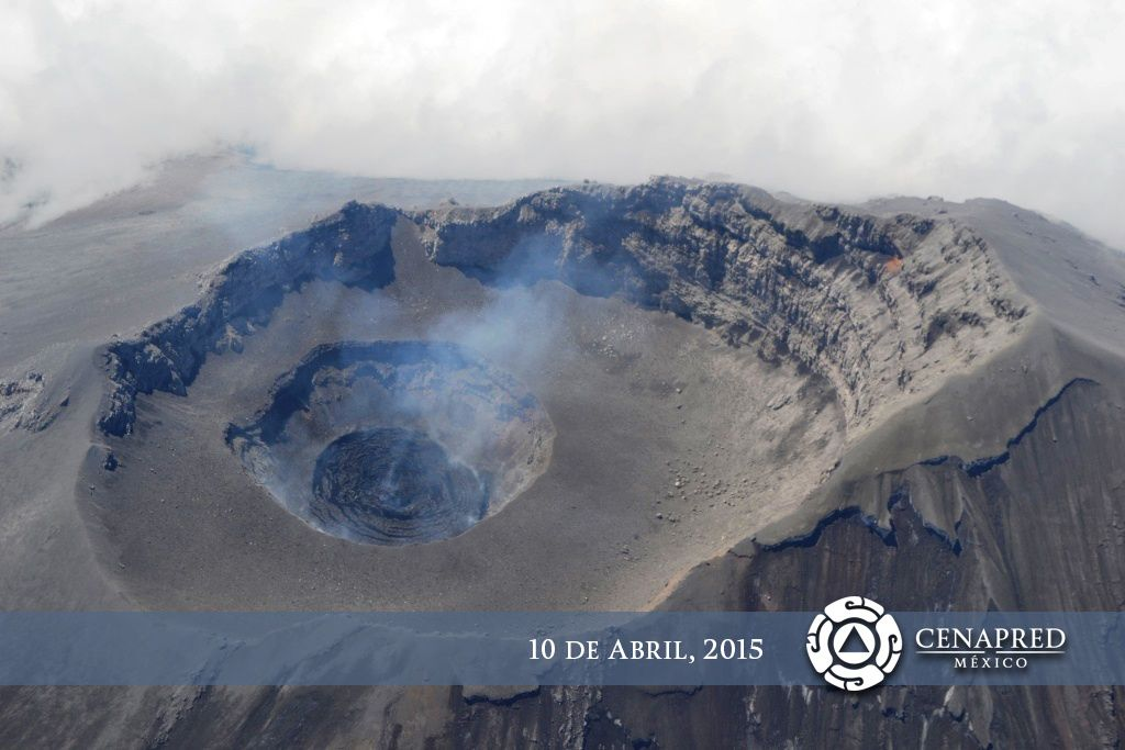 Popocatepetl - Internal crater and dome marked by concentric fractures - photo CENAPRED