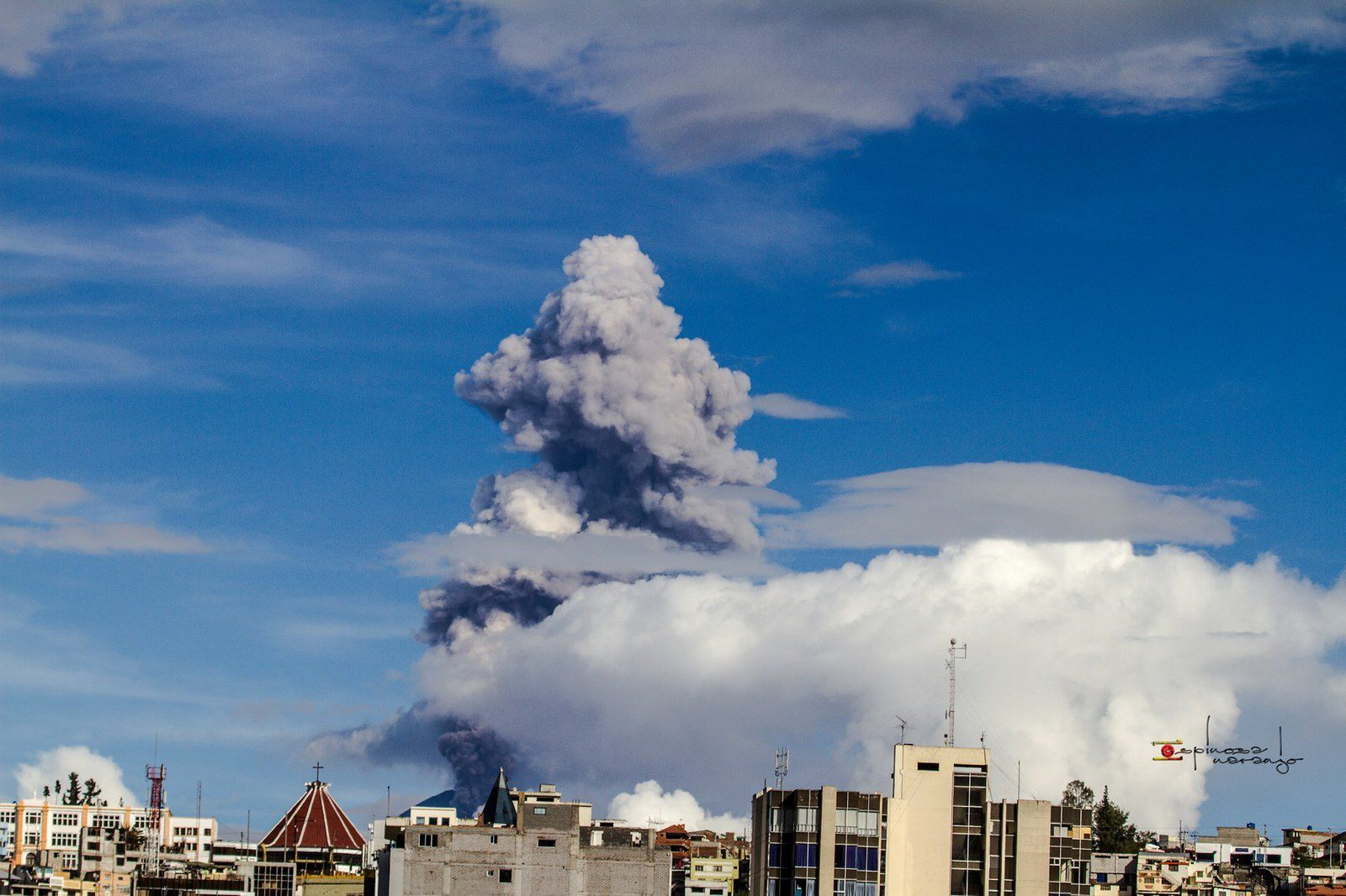 The Tungurahua 15.04.2015 / 4:20 p.m. - photo José Luis Espinosa-Naranjo